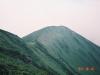 北戸蔦別岳付近よりヌカビラ岳を望む