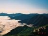 ビバーク地付近より十勝幌尻岳(左)・札内岳(中央左)・エサオマントッタベツ岳(右)・カムイエクチカウシ山(右端)を望む