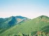 ビバーク地付近より幌尻岳(中央左)・戸蔦別岳(左)・北戸蔦別岳(右)を望む