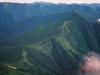 ピパイロ岳西肩より北に続く国境稜線