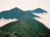 ピパイロ岳より伏美岳(左)・妙敷山(右)を望む