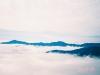 ピパイロ岳より十勝幌尻岳(左)・札内岳(中央右)を望む
