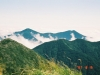 幌尻岳より伏美岳(左)・妙敷山(右)を望む