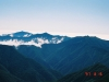 幌尻岳より十勝幌尻岳(左)・札内岳(中央左)・エサオマントッタベツ岳(右)を望む