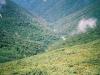 額平川方面の渓谷を望む