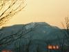 三角山より手稲山を望む